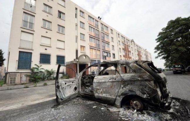 Les premiers éléments de l'enquête administrative diligentée juste avant les heurts dans le quartier d'Amiens-nord dans la nuit du 13 au 14 août justifient l'intervention policière la veille des affrontements.
