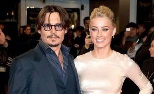 Johnny Depp et Amber Heard à l'avant-première européenne de «Rhum Express» à Londres, le 3 novembre 2011.