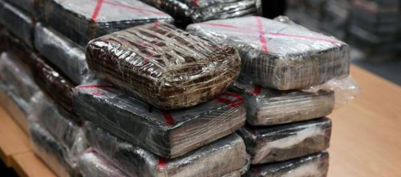 Des pains de cocaine saisis par la police judiciaire à Roissy, le 21 septembre 2013 (photo d'illustration)
