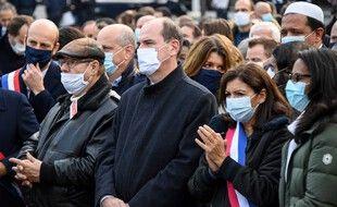 Le Premier ministre Jean Castex et la maire socialiste de Paris Anne Hidaldo, le 18 octobre 2020 lors d'un hommage à Samuel Paty.