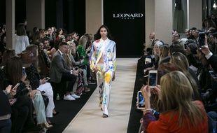 Léonard revisite le pyjama lors de la Fashion Week de Paris