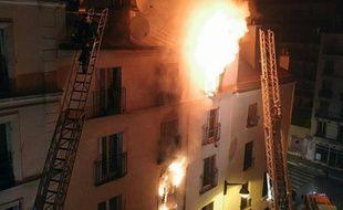 Incendie dans un immeuble d'habitation du 18e arrondissement le 2 septembre 2015 à Paris