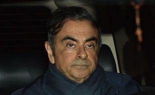 Carlos Ghosn quitte le bureau de son avocat à Tokyo, le 3 avril 2019.