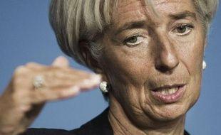 """La patronne du FMI, Christine Lagarde, a pointé lundi le """"problème de financement"""" qui persisterait en Grèce en dépit de l'aide internationale et pourrait augurer d'un nouveau plan de soutien à Athènes sur fond de ralentissement de l'économie mondiale."""