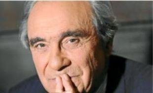 Bernard Debré est député de Paris.