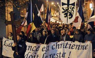 Des peines d'amende ferme de 200 à 2.000 euros ont été prononcées vendredi à l'encontre de 32 catholiques intégristes ayant perturbé en octobre 2011 le déroulement au Théâtre de la Ville, à Paris, d'une pièce de Romeo Castelluci.