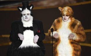 James Corden et Rebel Wilson sur la scène des Oscars 2020.