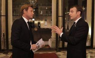 L'interview d'Emmanuel Macron par Laurent Delahousse, diffusée le 17 décembre 2017 sur France 2.