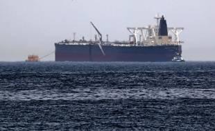 L'Amjada, l'un des pétroliers victimes d'acrtes de sabotages, au large des côtes du Golfe, le 13 mai 2019.