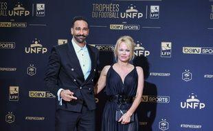 Adil Rami et Pamela Anderson à l'UNFP Trophy 2019