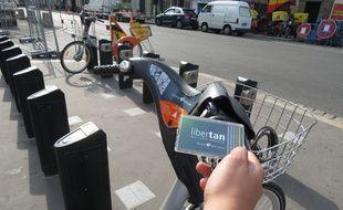 A Nantes le 16 septembre 2014 - A partir de mercredi, les usagers pourront emprunter un Bicloo en groupant leur abonnement sur leur pass Libertan