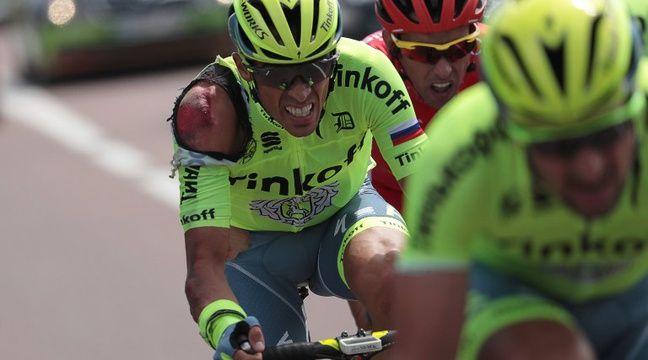 Alberto Contador après sa chute sur la première étape du Tour de France, le 2 juillet 2016.  – KENZO TRIBOUILLARD / AFP