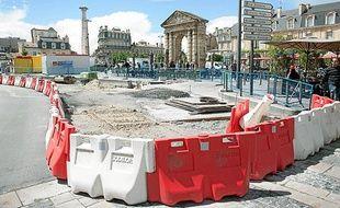 Les travaux de rénovation des pavés, place de la Victoire.