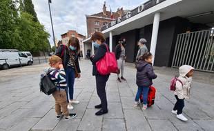Martine Aubry assiste à la rentrée des élèves de l'école Turgot, à Lille.