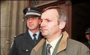 La Commission de révision des condamnations pénales a rejeté lundi la demande de révision de Jean-Marc Deperrois, condamné dans les années 1990 dans l'affaire de la Josacine empoisonnée et qui a toujours clamé son innocence.