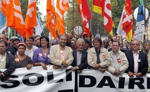 François Chérèque (à gauche), leader de la CFDT, et Bernard Thibault (à droite), de la CGT, lors de la manifestation contre la réforme des retraites le 7 septembre 2010 à Paris.