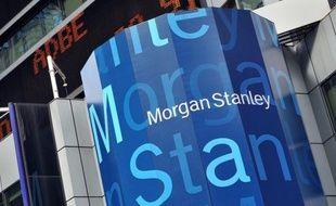 La banque d'affaires américaine Morgan Stanley a renoué avec les bénéfices au deuxième trimestre mais largement déçu Wall Street jeudi, clôturant une saison morne pour les résultats des banques.