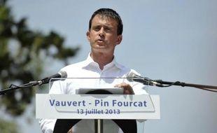 """Manuel Valls a défendu avec vigueur samedi dans le Gard le hollandisme avec pour credo """"le réformisme assumé"""" et """"la République intransigeante"""", """"nouvelle synthèse de la gauche qui réussit""""."""