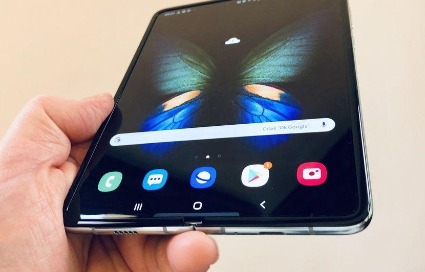 VIDEO. Galaxy Fold: On a testé le smartphone pliable de Samsung qui sera vendu 2020 euros
