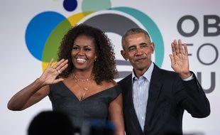 Michelle Obama invite son mari dans le premier épisode de son podcast.
