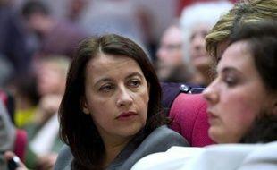 L'ancienne ministre écologiste Cécile Duflot (gauche) et la secrétaire nationale des Verts Emmanuelle Cosse (droite) lors du conseil fédéral d'EELV à Paris le 5 avril 2014
