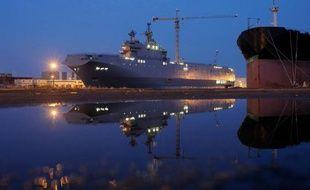 Le Vladivostok, un bâtiment de type Mistral commandé par la Russie aux chantiers navals STX de Saint-Nazaire, le 23 juin 2014