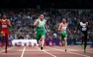 L'Irlandais Jason Smyth a conservé samedi à Londres son titre sur 100 m dans sa catégorie (T13, malvoyants) et établi un nouveau record du monde en 10 sec 46, pour devenir l'athlète paralympique le plus rapide de l'histoire