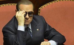 La défense de Silvio Berlusconi, accusé dans le procès Rubygate d'abus de pouvoir et prostitution de mineure, a demandé lundi l'acquittement pour l'ex-chef du gouvernement italien, alors que le parquet a demandé six ans de prison.