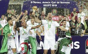 Vainqueur de la CAN avec l'Algérie, Slimani va rejoindre Monaco en prêt.