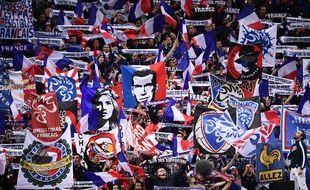 Les Irrésistibles Français ont dépoussiéré l'image vieillotte des supporters des Bleus.