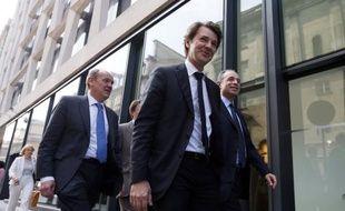 """L'ancien ministre UMP François Baroin a approuvé jeudi les mesures sur l'immigration détaillées par le ministre de l'Intérieur Manuel Valls, prenant à contre-pied des ténors de son camp qui avaient dénoncé la veille """"une politique dangereuse"""" ou """"un double langage""""."""