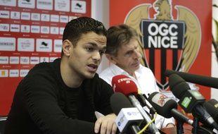 Hatem Ben Arfa et Claude Puel lors d'une conférence de presse à Nice, le 3 février 2015.