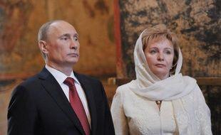 Le président russe Vladimir Poutine et son épouse Lioudmila ont annoncé jeudi avoir divorcé dans une interview à la télévision russe, ont rapporté les agences russes.