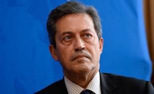 Pour avoir appelé Les Républicains à désigner un nouveau candidat pour représenter le parti à la présidentielle, le député sarkozyste Georges Fenech pourrait perdre son investiture pour les prochaines législatives.