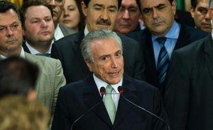 Le nouveau président brésilien par intérim Michel Temer lors de sa prise de fonction au palais du Planalto à Brasilia, le 12 mai 2016