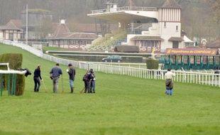 La vente de terrains de l'hippodrome de Compiègne (Oise) en mars 2010 par Eric Woerth, alors ministre du Budget, serait légale selon une expertise demandée par Bercy, a indiqué le ministère délégué au Budget à l'AFP.