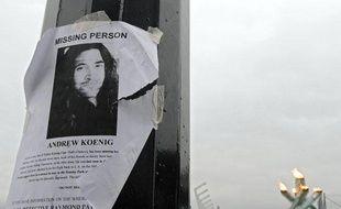 Un avis de recherche pour l'acteur Andrew Koenig, accroché à un réverbère, à Vancouver, le 24 février 2010.