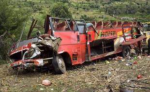 L'accident de car a fait 51 morts au Kenya.
