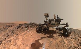 Sur Mars, le robot Curiosity a creusé à la base du Mont Sharp, à l'intérieur du cratère de Gale.
