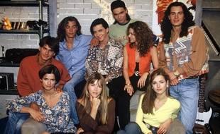 Les comédiens de la série «Hélène et les garçons», en 1993.