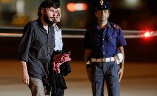 Le Belge Pierre Piccinin, enlevé en Syrie et libéré dimanche avec le journaliste italien Domenico Quirico, a affirmé lundi que le gaz sarin n'avait pas été utilisé par le régime de Bachar Al-Assad, une déclaration accueillie avec prudence par le chef de la diplomatie belge Didier Reynders et son compagnon d'infortune.