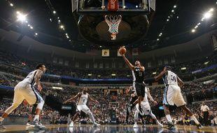 Le meneur de jeu des San Antonio Spurs Tony Parker, le 24 avril 2016, contre Memphis.
