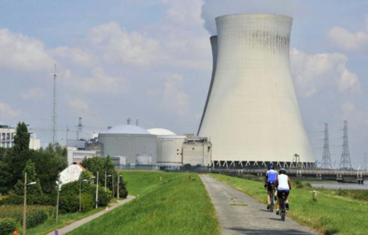 La centrale nucléaire de Doel, en Begique, le 9 août 2012 – GEORGES GOBET AFP