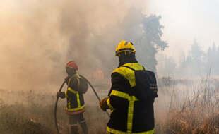 Les sapeurs pompiers des Pyrénées-Orientales lors de lors de l'incendie de Néfiach.