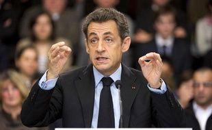 Nicolas Sarkozy lors d'une table ronde à Orléans le 3 février 2011.