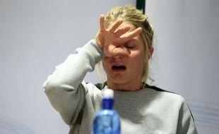 Therese Johaug, en larmes lors d'une conférence de presse, le 13 octobre 2016.