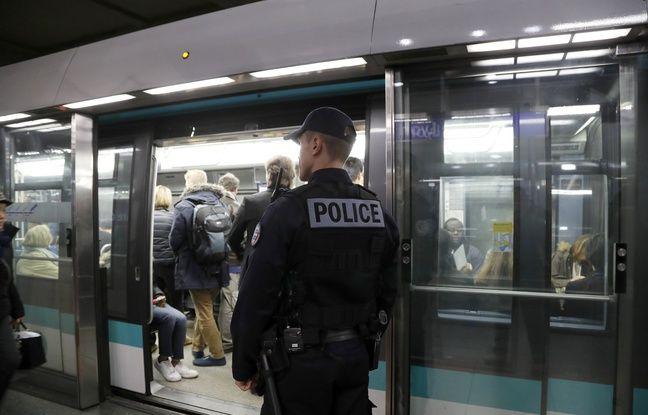 Un policier de la Brigade des réseaux franciliens (BRF) dans le métro. (Illustration)
