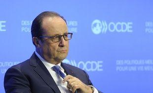 Le président François Hollande durant une conférence de l'OCDE le 17 octobre 2014 à Paris.