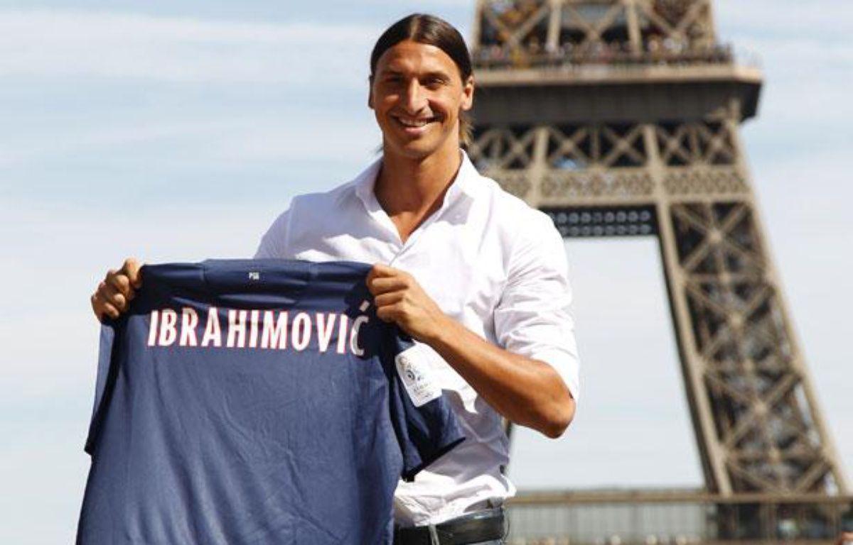 Le nouvel attaquant du PSG, Zlatan Ibrahimovic, lors de sa présentation à Paris le 18 juillet 2012. – REUTERS