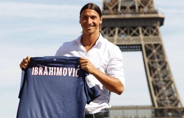 Le nouvel attaquant du PSG, Zlatan Ibrahimovic, lors de sa présentation à Paris le 18 juillet 2012.